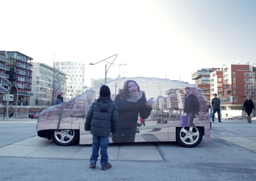 Mercedes-Benz Invisible Car 2